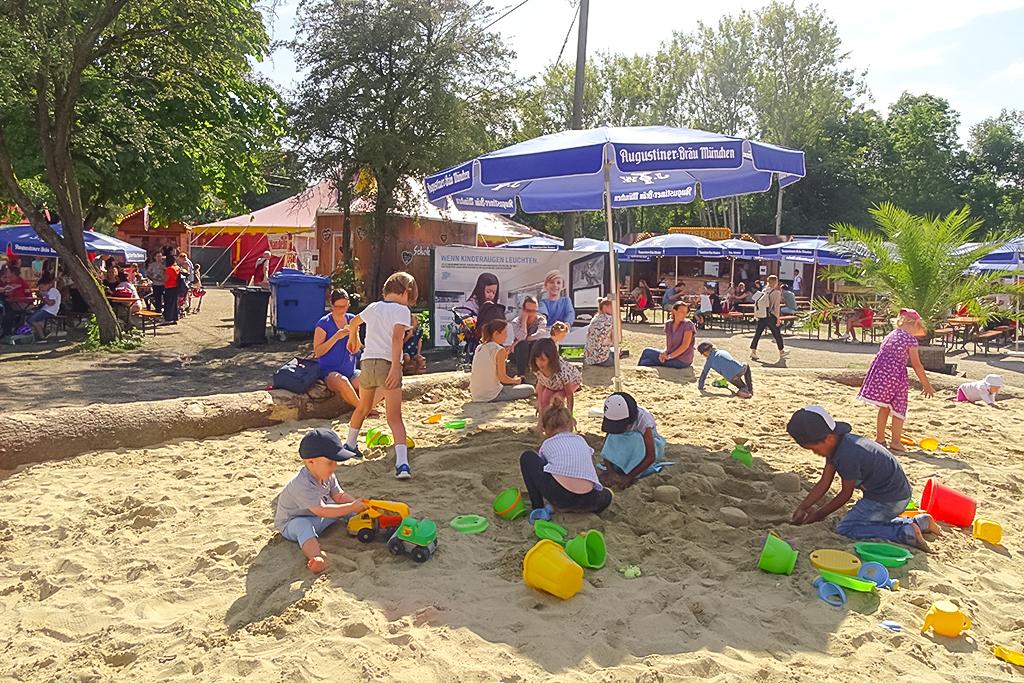 Spiel & Entspannung beim Familienprogramm. Foto: Lilalu